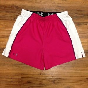 Under Armour Loose Fit Heat Gear Size Small